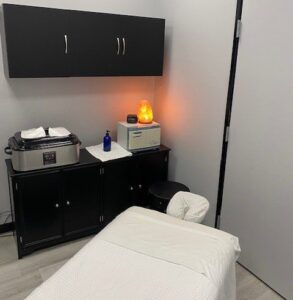 massage therapist at pinnacle fitness